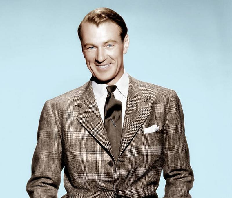 Gary Cooper's eyes and hair color