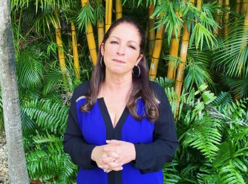 Gloria Estefan height, weight and body measurements