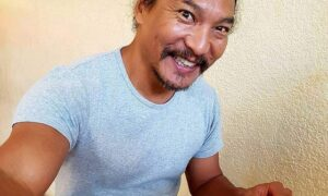 Jason Scott Lee body measurements