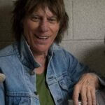 Jeff Beck height, weight. Faithful to his image for ages