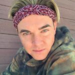 Jesse McCartney height, weight. He likes going to the gym